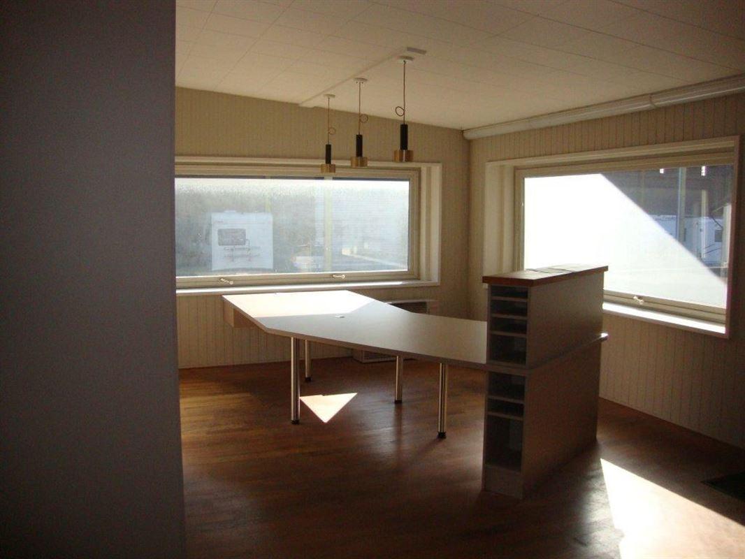 Foto 5 : Burelen te 8500 KORTRIJK (België) - Prijs € 205
