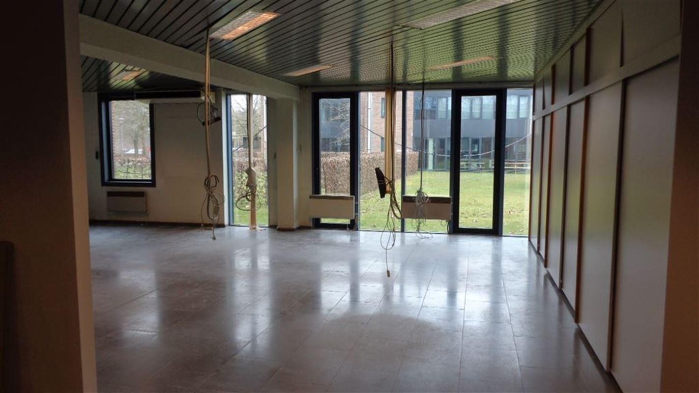 Foto 6 : Burelen te 8500 KORTRIJK (België) - Prijs € 880