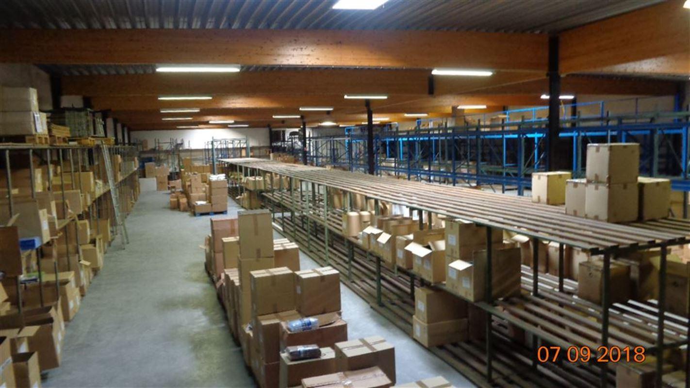 Foto 1 : Magazijn te 8550 ZWEVEGEM (België) - Prijs € 685.000