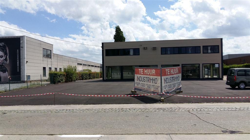 Foto 1 : Werkplaats te 9230 WETTEREN (België) - Prijs € 3.250