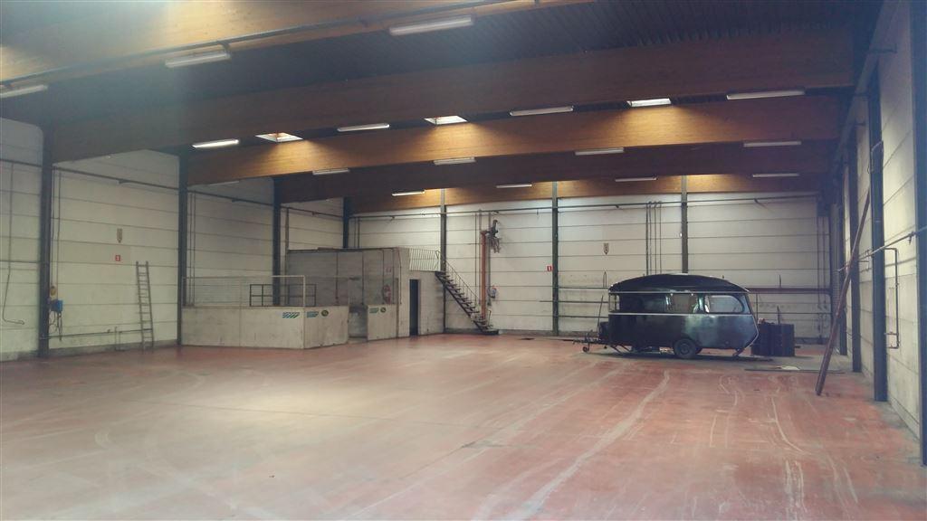 Foto 3 : Werkplaats te 9230 WETTEREN (België) - Prijs € 3.250