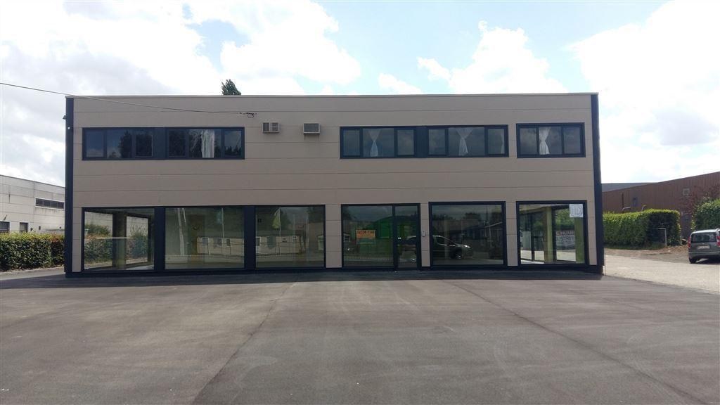 Foto 4 : Werkplaats te 9230 WETTEREN (België) - Prijs € 3.250