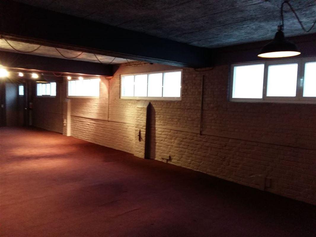 Foto 2 : Showroom te 9600 RONSE (België) - Prijs € 250