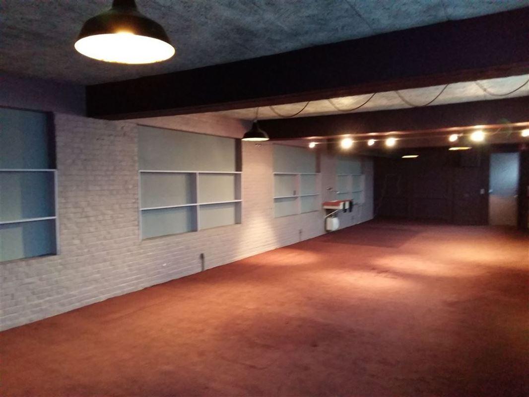 Foto 3 : Showroom te 9600 RONSE (België) - Prijs € 250