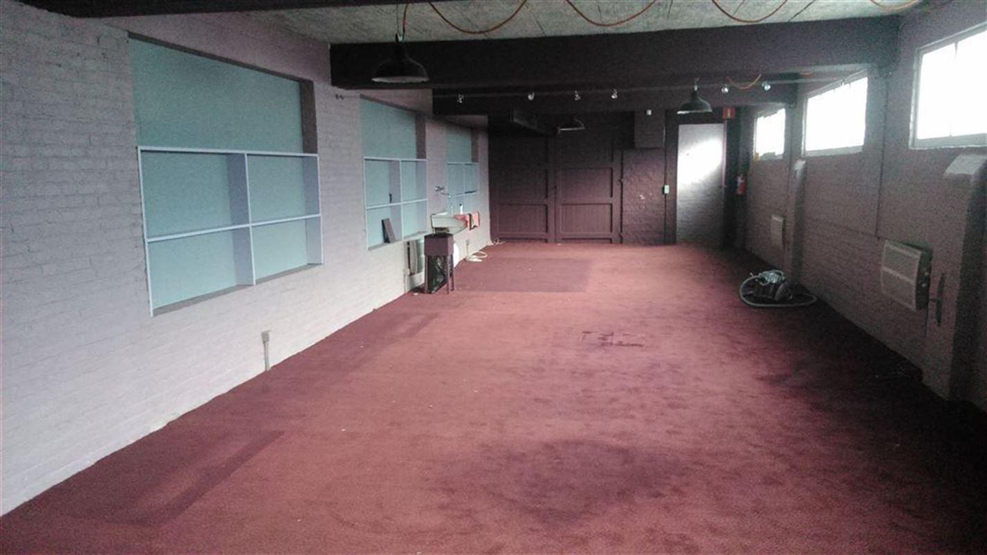 Foto 5 : Showroom te 9600 RONSE (België) - Prijs € 250