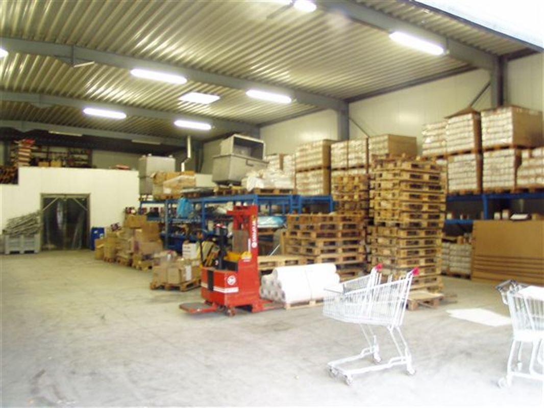 Foto 4 : Bedrijfsgebouwen te 9340 OORDEGEM (België) - Prijs € 1.650