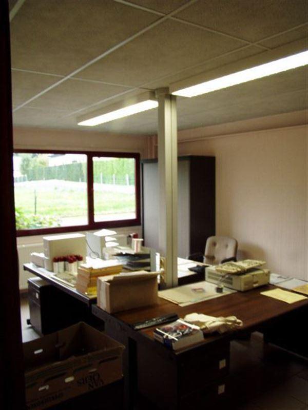 Foto 10 : Bedrijfsgebouwen te 9340 OORDEGEM (België) - Prijs € 1.650