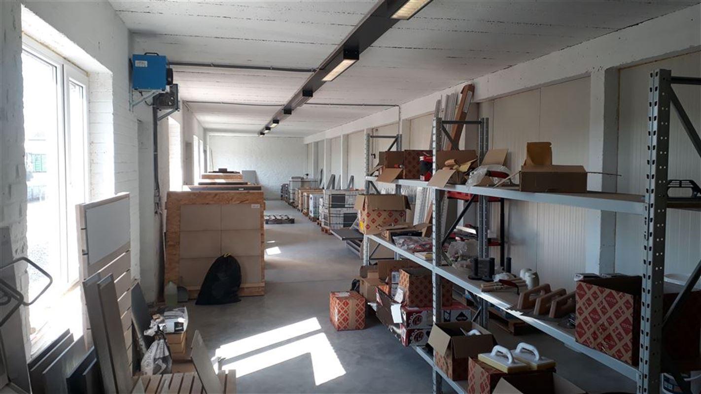 Foto 5 : Magazijn te 8501 HEULE (België) - Prijs € 450