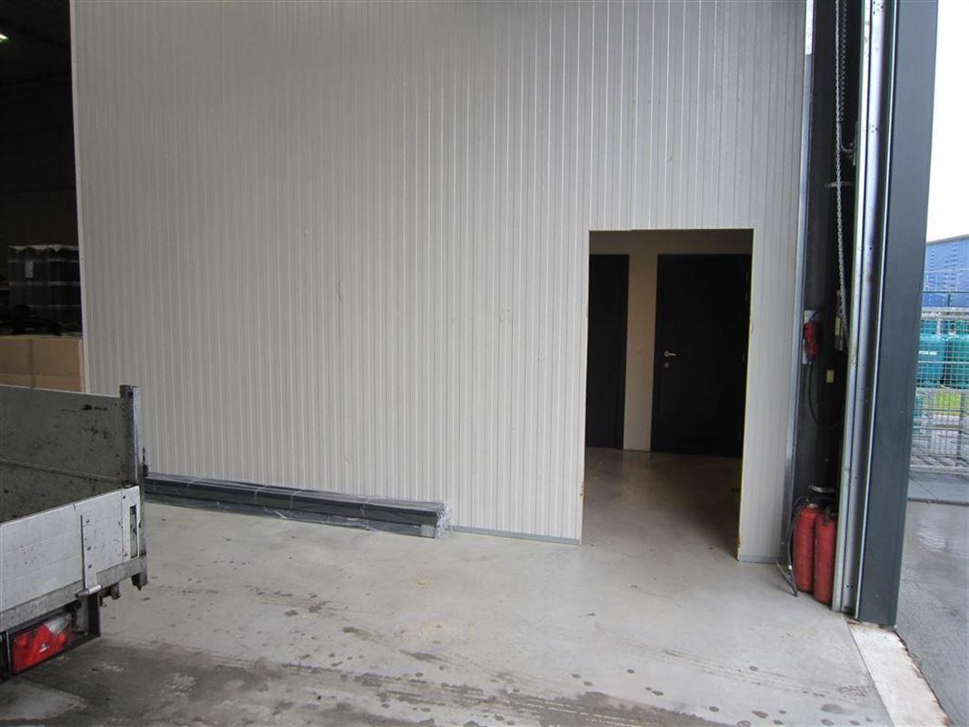 Foto 9 : Bedrijfsgebouwen te 9940 EVERGEM (België) - Prijs € 1.445