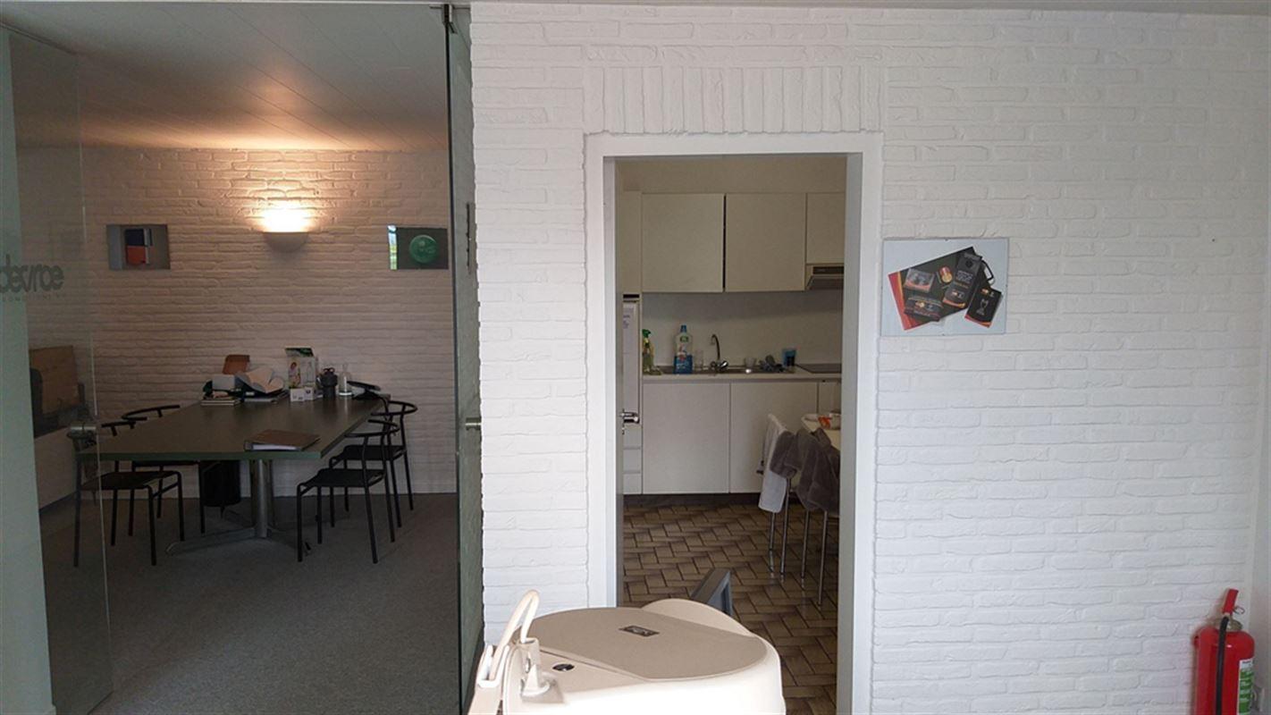 Foto 19 : Magazijn te 8710 OOIGEM (België) - Prijs € 945.000
