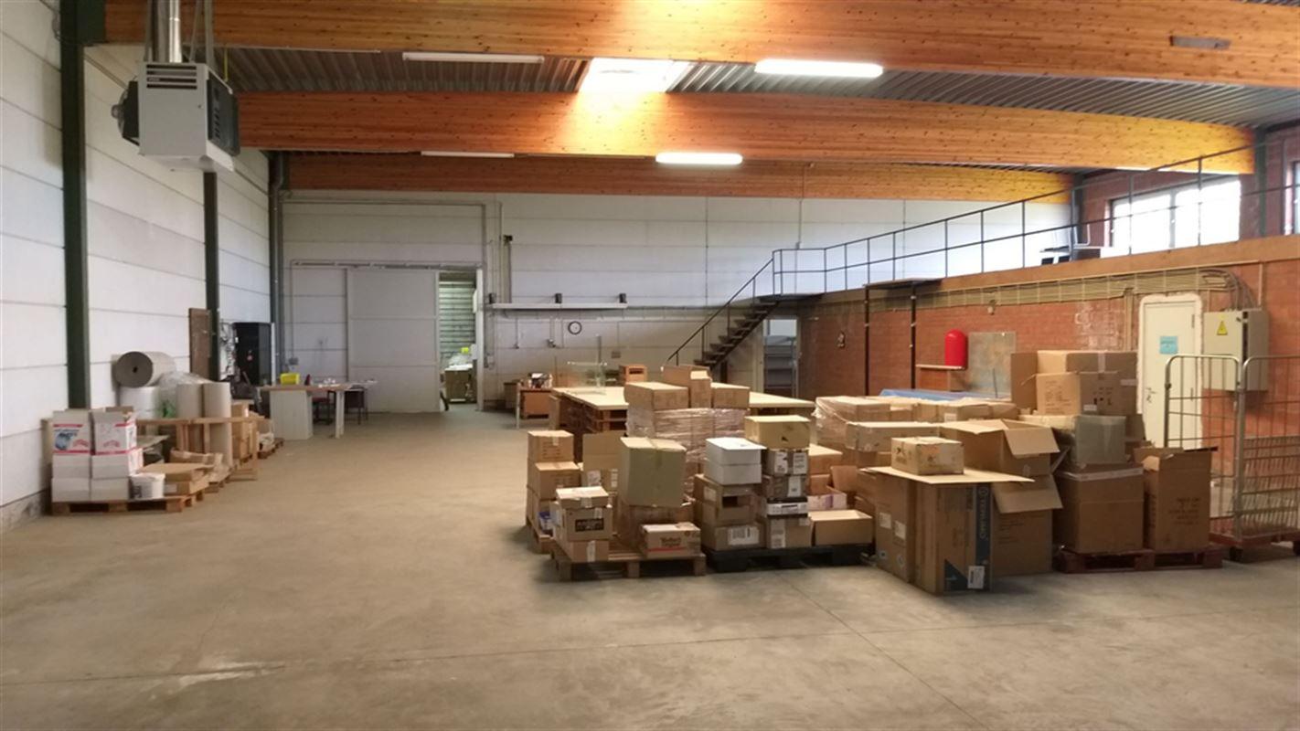 Foto 9 : Magazijn te 8710 OOIGEM (België) - Prijs € 945.000