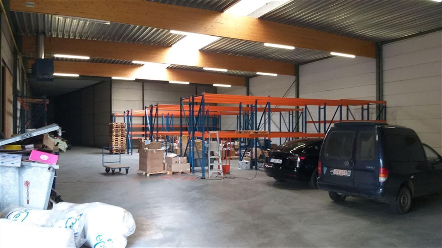 Foto 11 : Magazijn te 8710 OOIGEM (België) - Prijs € 945.000
