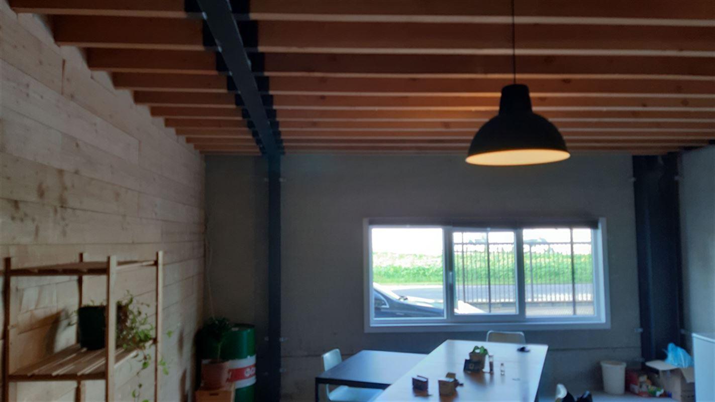 Foto 10 : Bedrijfsgebouwen te 9940 EVERGEM (België) - Prijs € 1.635