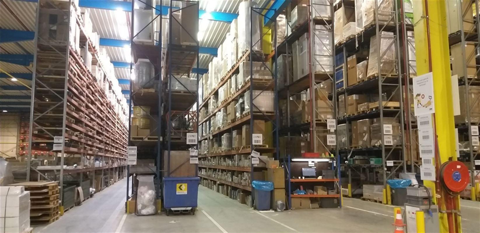 Foto 18 : Fabriek te 8710 SINT-BAAFS-VIJVE (België) - Prijs € 32.512