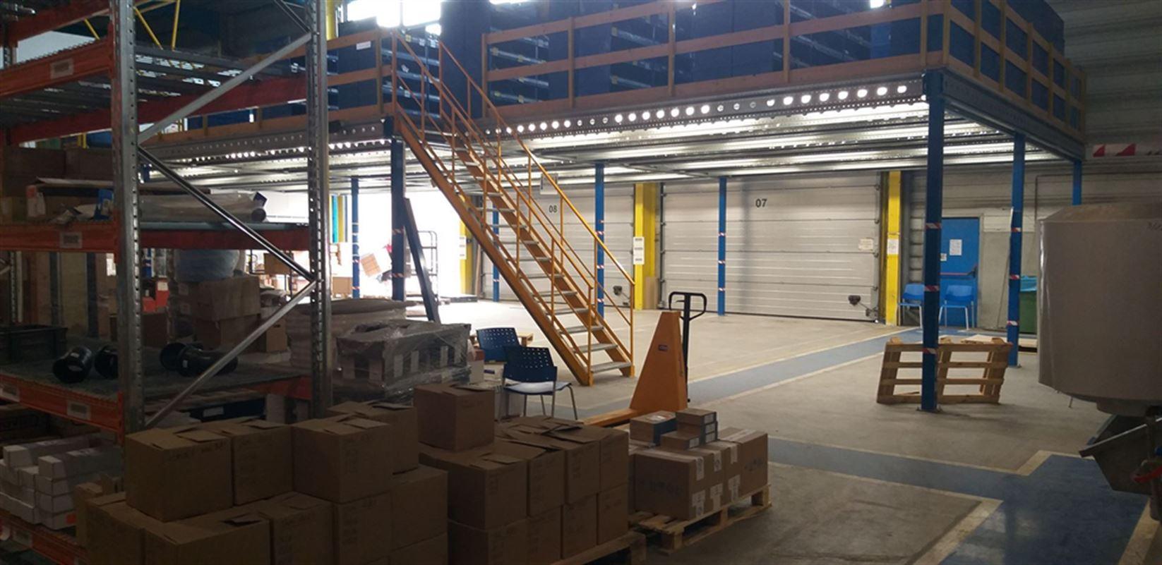 Foto 19 : Fabriek te 8710 SINT-BAAFS-VIJVE (België) - Prijs € 32.512