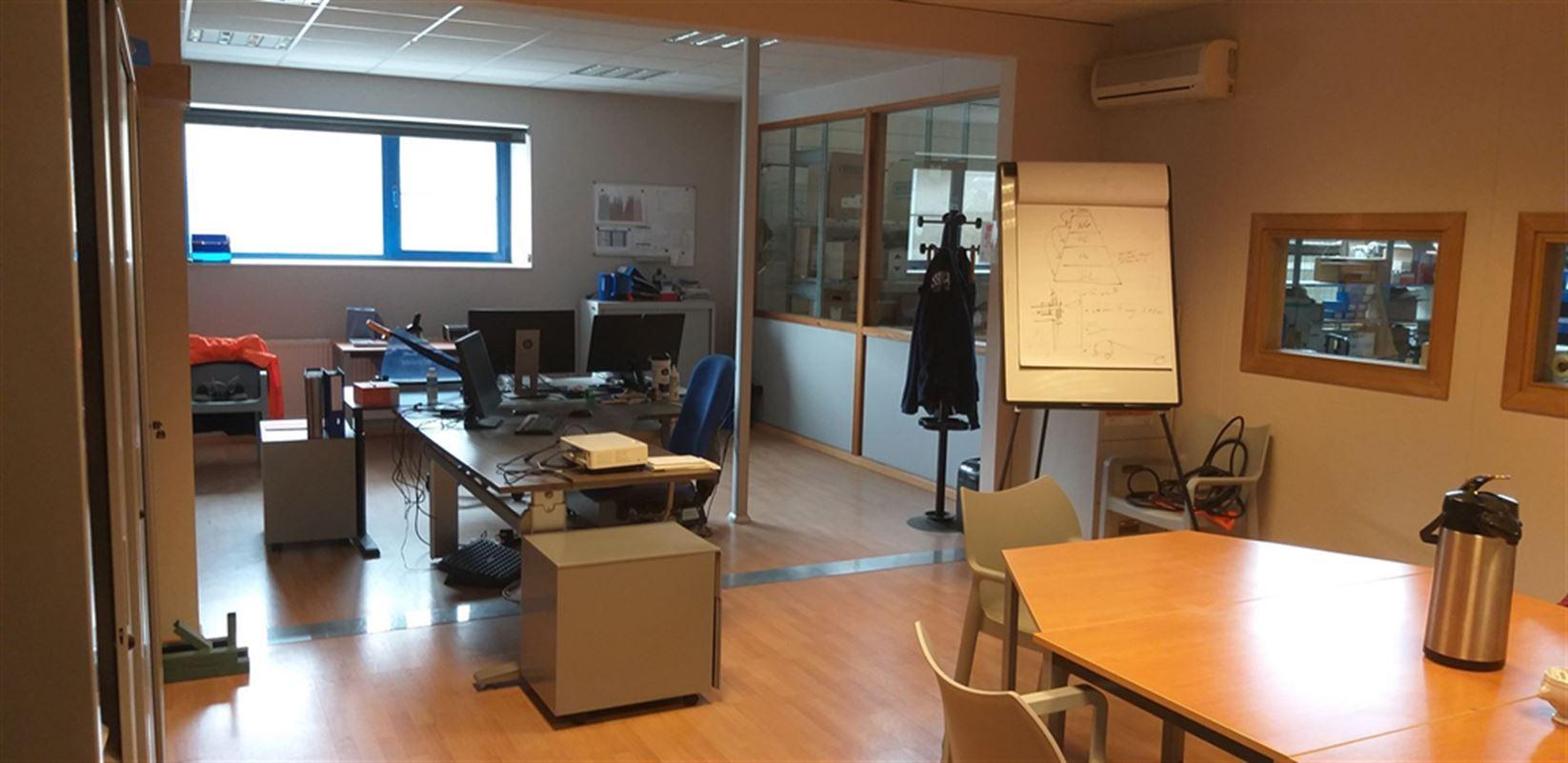 Foto 21 : Fabriek te 8710 SINT-BAAFS-VIJVE (België) - Prijs € 32.512