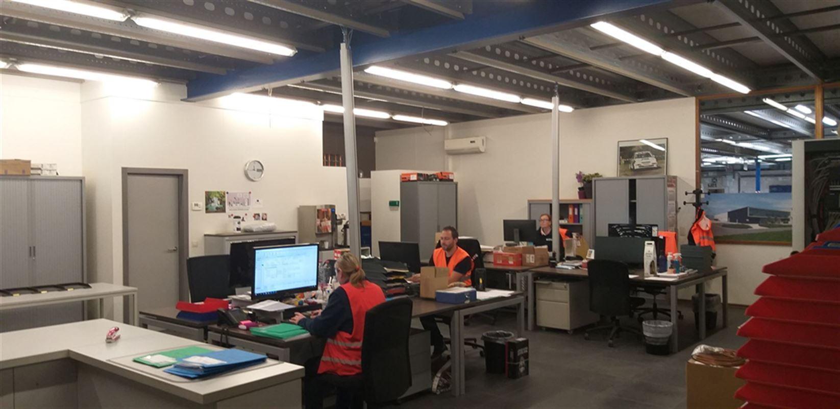 Foto 22 : Fabriek te 8710 SINT-BAAFS-VIJVE (België) - Prijs € 32.512