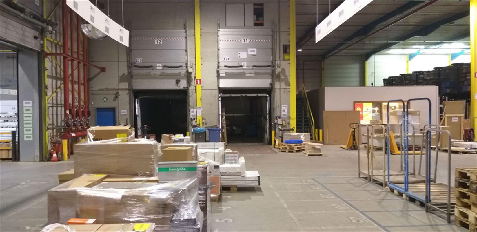 Foto 7 : Fabriek te 8710 SINT-BAAFS-VIJVE (België) - Prijs € 32.512