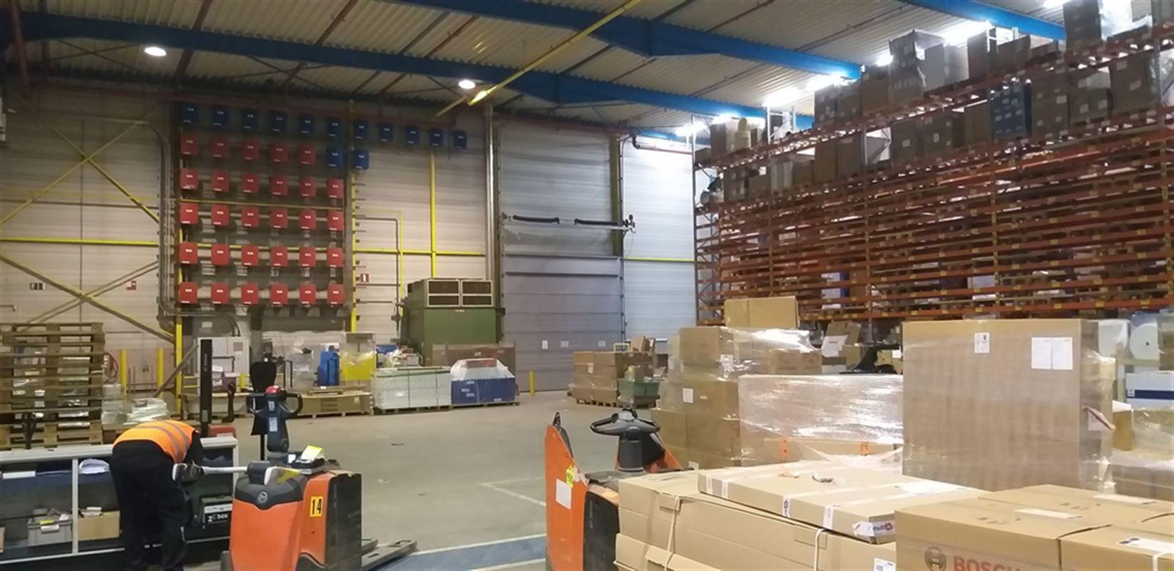 Foto 9 : Fabriek te 8710 SINT-BAAFS-VIJVE (België) - Prijs € 32.512