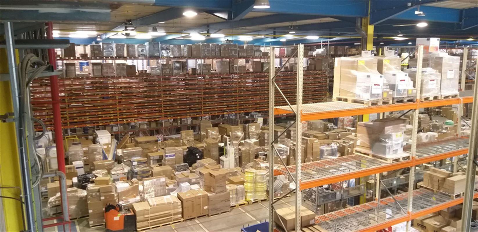 Foto 10 : Fabriek te 8710 SINT-BAAFS-VIJVE (België) - Prijs € 32.512