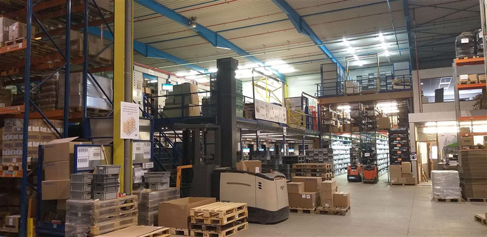 Foto 12 : Fabriek te 8710 SINT-BAAFS-VIJVE (België) - Prijs € 32.512
