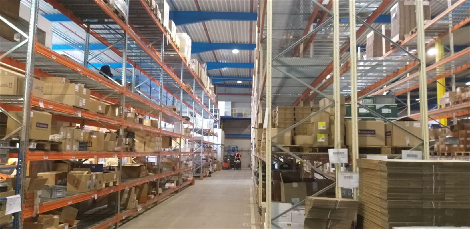 Foto 13 : Fabriek te 8710 SINT-BAAFS-VIJVE (België) - Prijs € 32.512