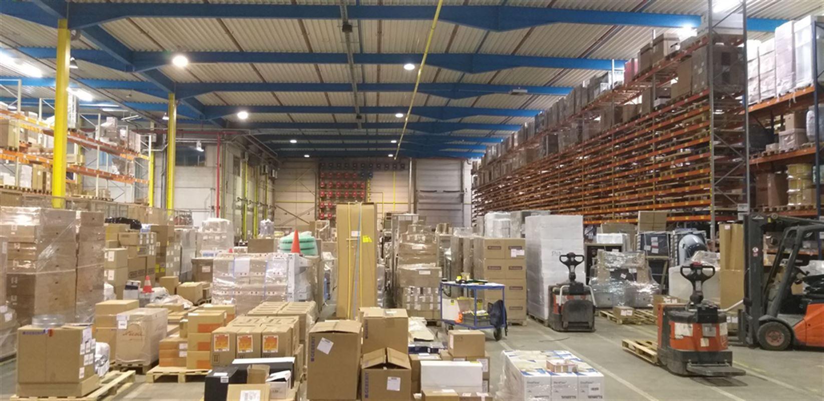 Foto 15 : Fabriek te 8710 SINT-BAAFS-VIJVE (België) - Prijs € 32.512