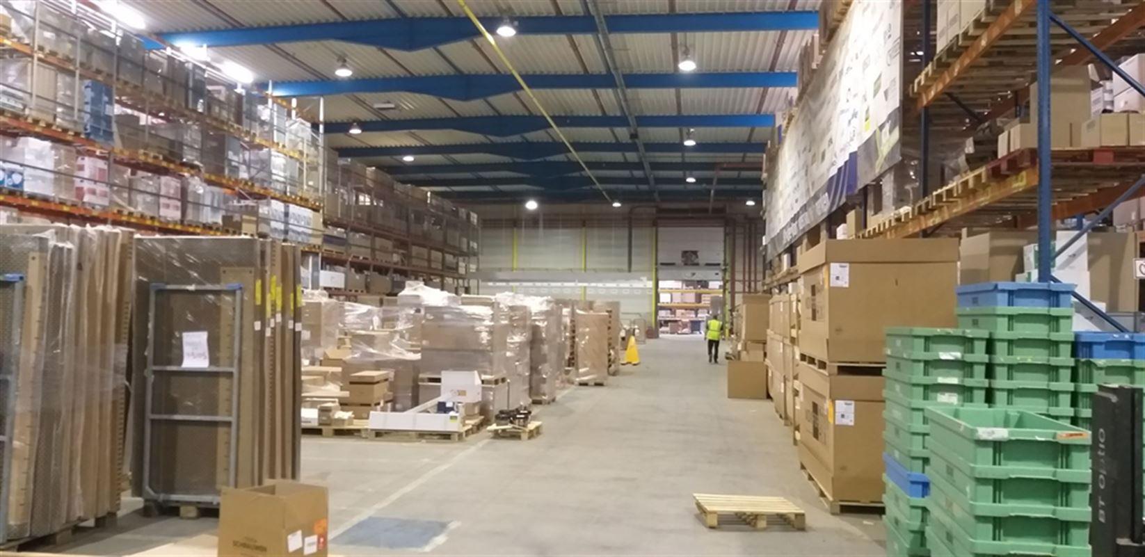Foto 16 : Fabriek te 8710 SINT-BAAFS-VIJVE (België) - Prijs € 32.512